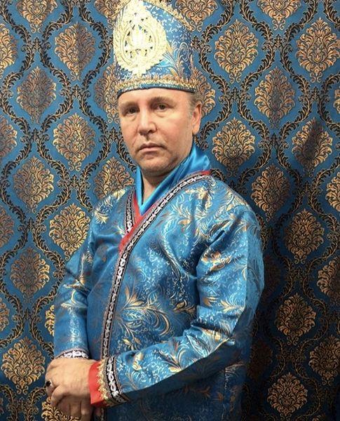 لباسهای زمان قاجاری کیهان ملکی + عکس