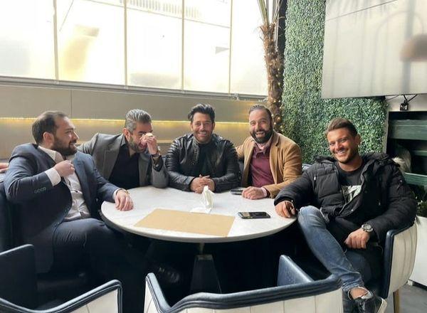 گلزار و دوستانش در رستورانی لاکچری + عکس