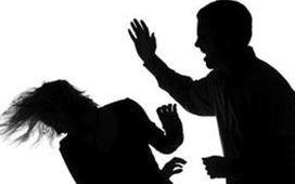 مردي که دست بزن دارد و همسري که از حق خودش دفاع نمي کند/ شوهرم استاد دانشگاه است اما مرا کتک مي زند