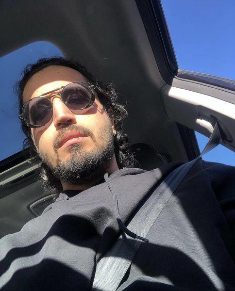 سلفی جدید مهرداد صدیقیان در ماشینش + عکس